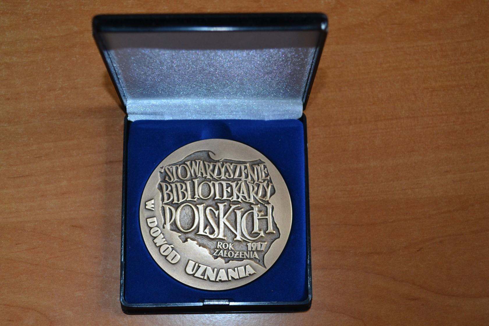 Medal dla Miejsko-Gminnej Biblioteki Publicznej w Jędrzejowie